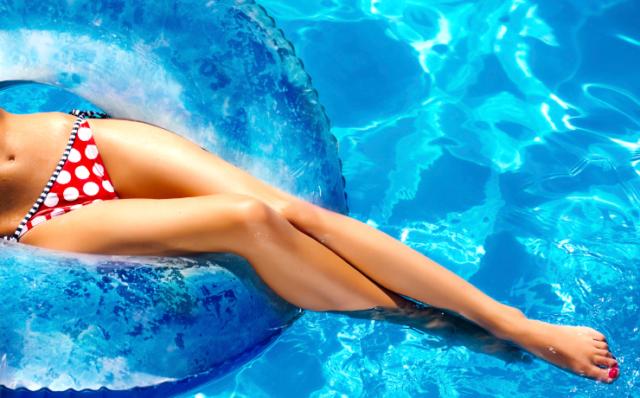 Hollywood bikini line wax
